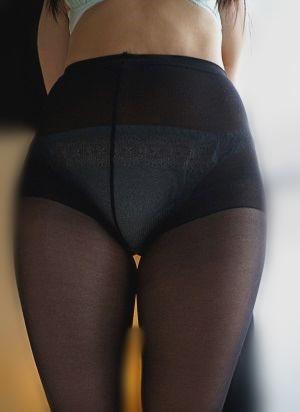 変態セフレを探している女のパンストを履いた股間